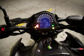 Zoomed-In View of the Kawasaki Z900 ABS Speedometer