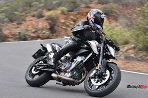 Riding the 2018 KTM 790 Duke