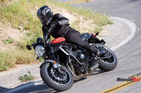 The 2018 Kawasaki Z900RS SE On The Highway