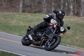 Riding the 2018 Yamaha XSR700